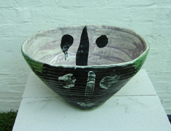 "<h4 style=""margin:0px 0px 5px 0px;"">(Coil pot)</h4>Medium: Ceramic<br />Price: $800 <span style=""color:#aaa"">