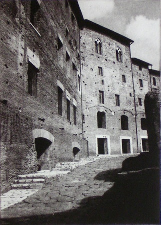 "<h4 style=""margin:0px 0px 5px 0px;"">Mercato di Traiano 1</h4>Medium: Photopolymer Gravure<br />Price: $130 <span style=""color:#aaa"">